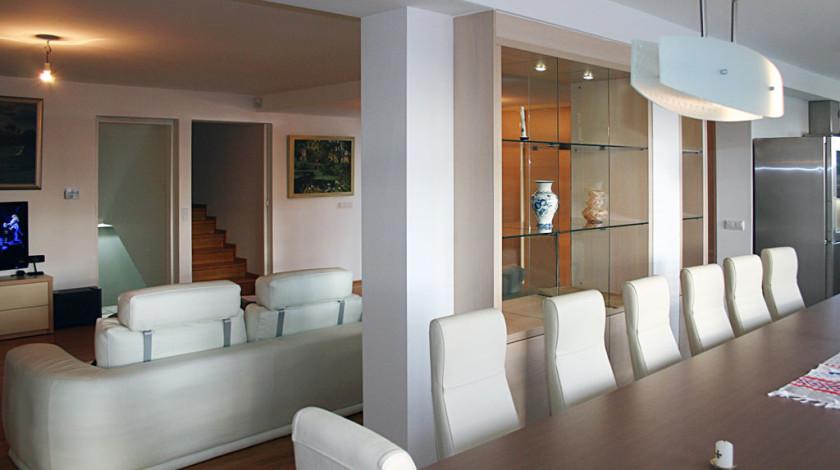 Die immer diverseren Ansprüche für das Wohnzimmer als das Zentrum des ganzen Wohnraumes, haben zu neuen Einrichtungsformen geführt.